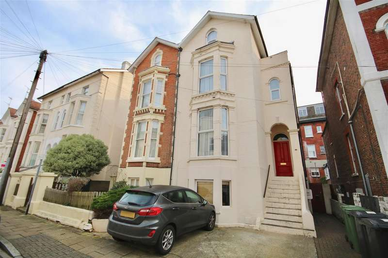 6 Bedrooms Semi Detached House for sale in Shaftesbury Road, Southsea