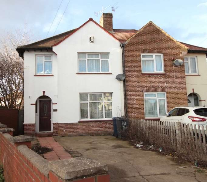 5 Bedrooms Semi Detached House for sale in Dane Road, Southall, London, UB1