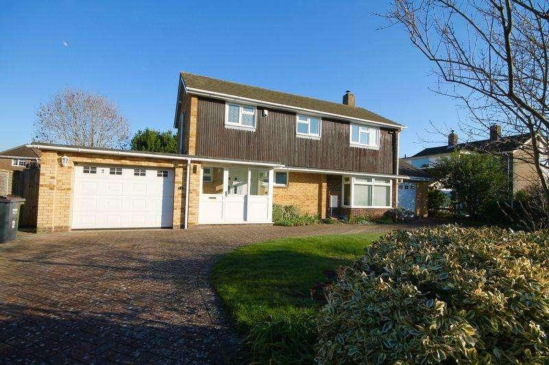 4 Bedrooms Detached House for sale in Emsbrook , Emsworth