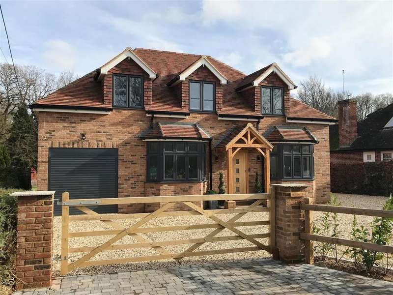 5 Bedrooms Detached House for sale in Broadlayings, Woolton Hill, Newbury