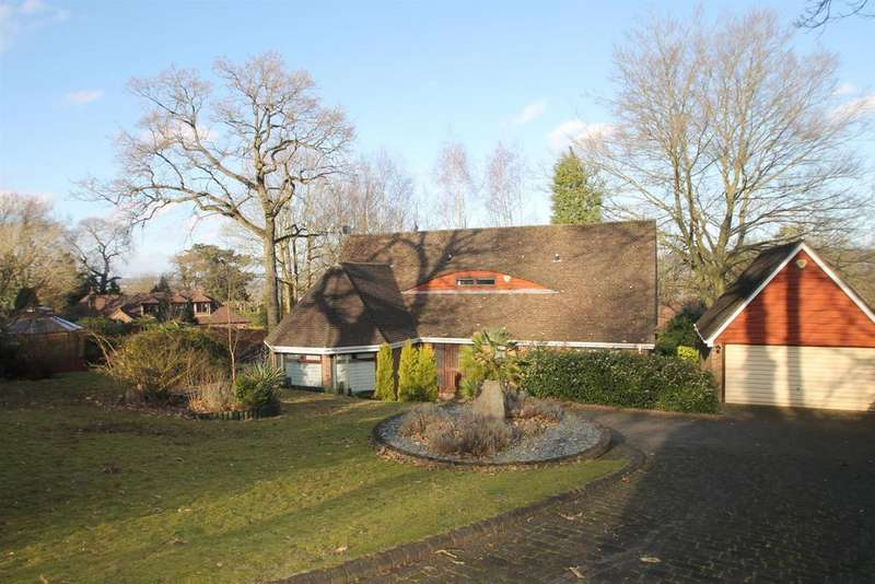 4 Bedrooms Detached House for sale in Woodlands Road, Aylesford