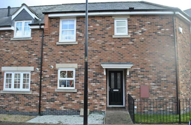 3 Bedrooms Semi Detached House for rent in Becks Close, Birstall, LE4