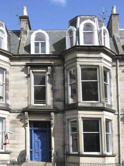 4 Bedrooms Ground Flat for rent in Douglas Crescent, Edinburgh EH12