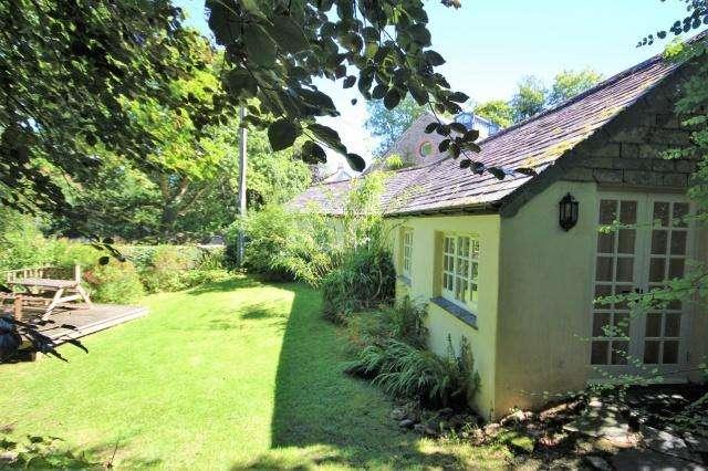 2 Bedrooms Detached House for sale in Hellandbridge