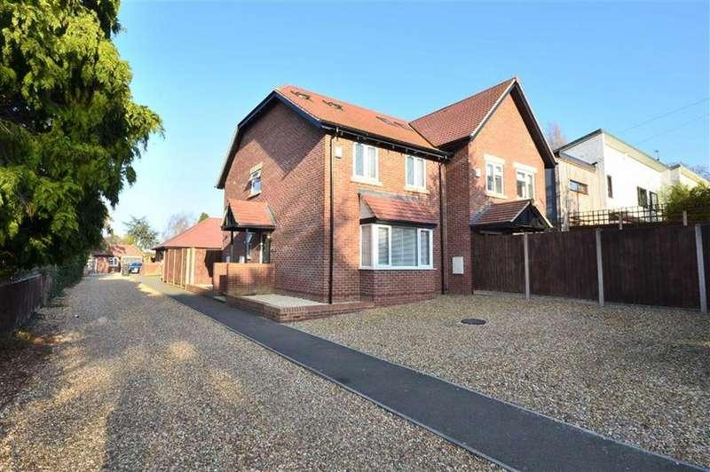 4 Bedrooms Semi Detached House for sale in Rivendell Court, Reservoir Road, Gloucester,GL4