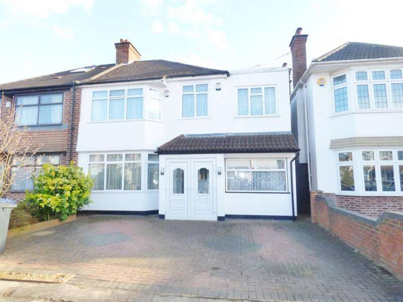 5 Bedrooms Semi Detached House for sale in Shaftesbury Ave , Norwood Green Southall, UB2
