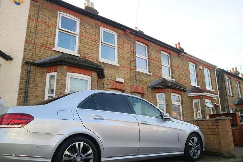 3 Bedrooms Terraced House for rent in Belgrave Road, Slough, Berkshire, SL1