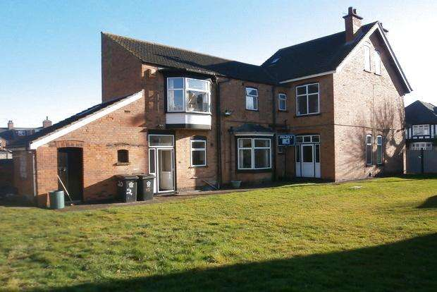 5 Bedrooms Detached House for sale in Windsor Avenue, Leicester, LE4