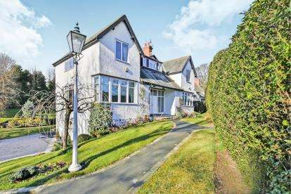 4 Bedrooms Detached House for sale in Rushyford, Ferryhill, Durham, County Durham, DL17