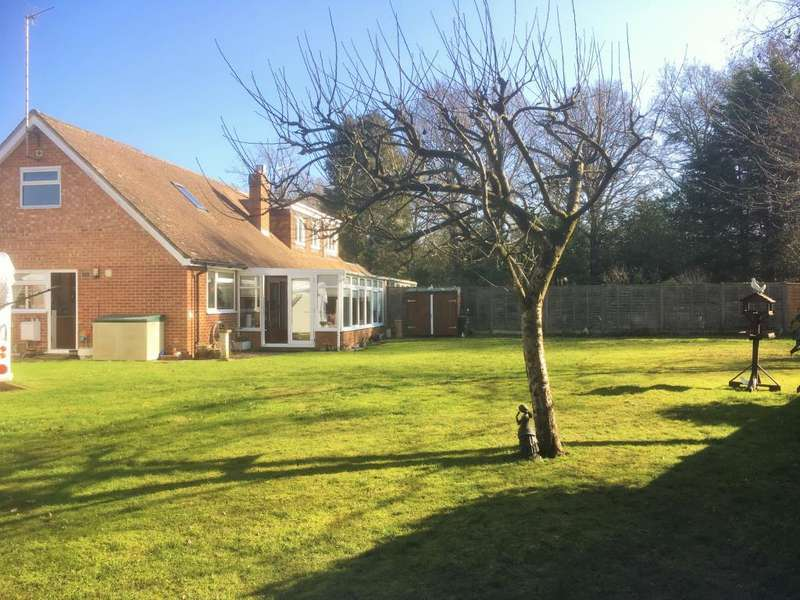 3 Bedrooms House for sale in Rowan Drive, Crowthorne, RG45
