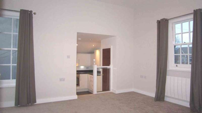 2 Bedrooms Apartment Flat for sale in High Street, Lincoln, LN5 8AA
