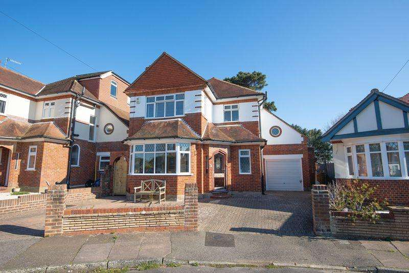 4 Bedrooms Detached House for sale in Norman Crescent, Shoreham-By-Sea