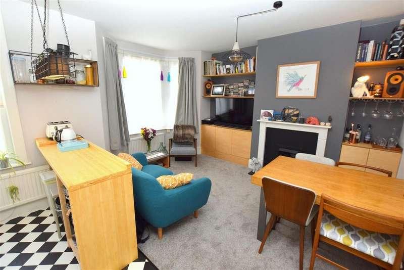 2 Bedrooms Maisonette Flat for sale in Bisson Road, Stratford