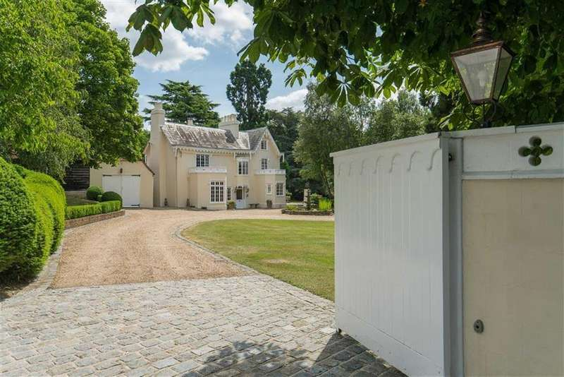 7 Bedrooms Country House Character Property for sale in Halstead Hill, Goffs Oak, Hertfordshire