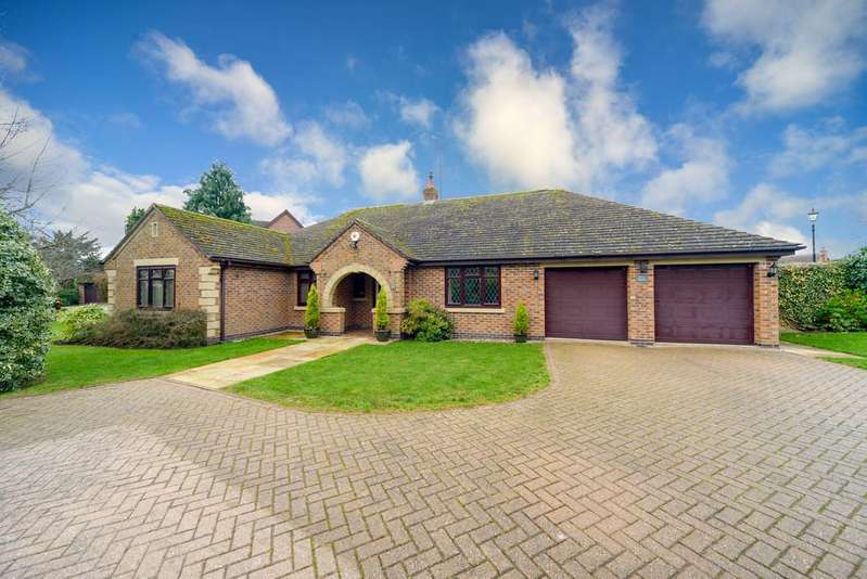 4 Bedrooms Detached Bungalow for sale in Glasshouse Lane, Kenilworth