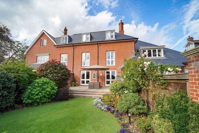 4 Bedrooms Terraced House for sale in The Limes, Northbrook Avenue, Winchester, Hampshire, SO23