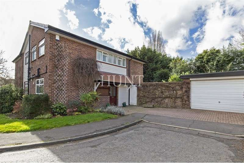4 Bedrooms Property for sale in Deepdene Close, London, ,,, E11 1PG