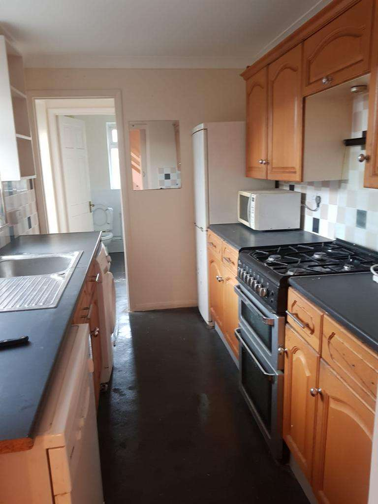 2 Bedrooms House for rent in Beautiful 2 bed house on Greenfield street, waltham Abbey EN9