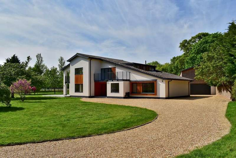 6 Bedrooms Detached House for sale in Sway Road, Lymington, SO41