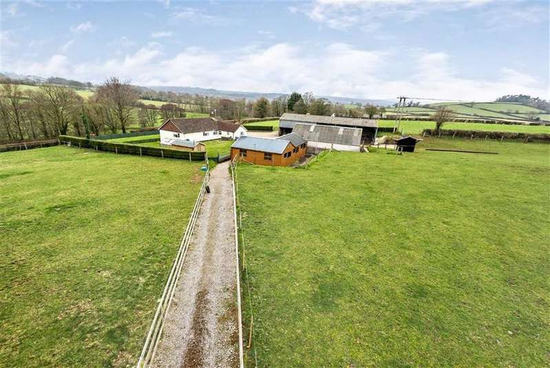 4 Bedrooms Bungalow for sale in Moolham Lane, Moolham, Ilminster, Somerset, TA19