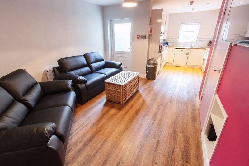 6 Bedrooms Terraced House for rent in Malvern Road, Kensington