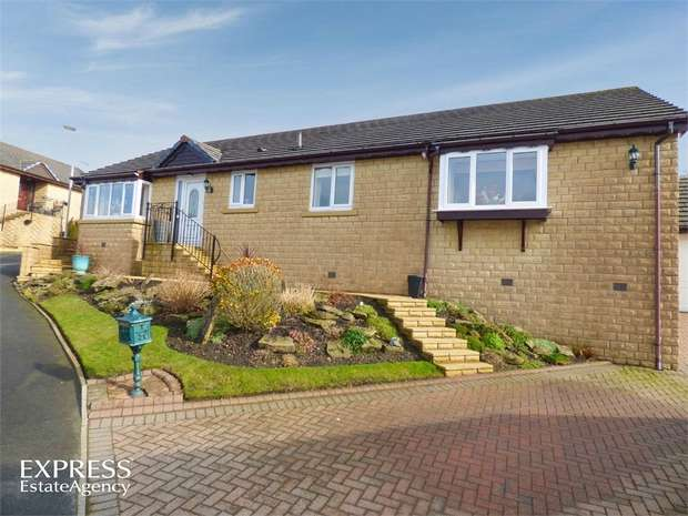 3 Bedrooms Detached Bungalow for sale in Windermere Road, Bacup, Lancashire