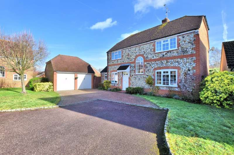 4 Bedrooms Detached House for sale in Goldsmith Close, Wokingham, RG40
