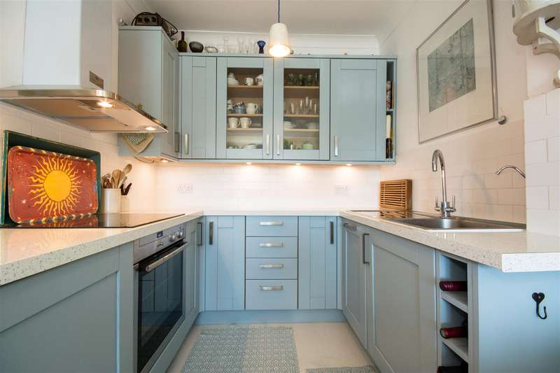 1 Bedroom Flat for sale in Homecross House, Chiswick, W4