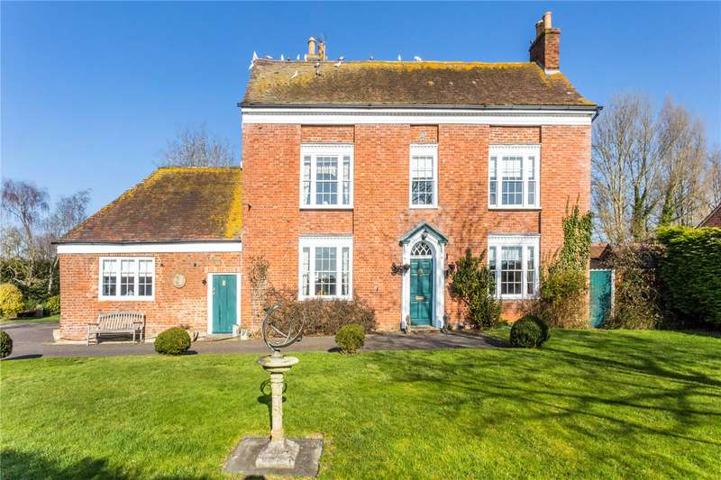 4 Bedrooms Detached House for sale in Lincoln Green Lane, Tewkesbury, Gloucestershire, GL20