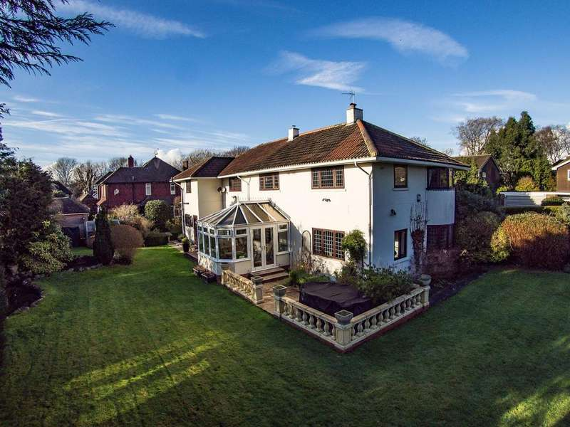 4 Bedrooms Detached House for sale in North Close, Warblington, PO9