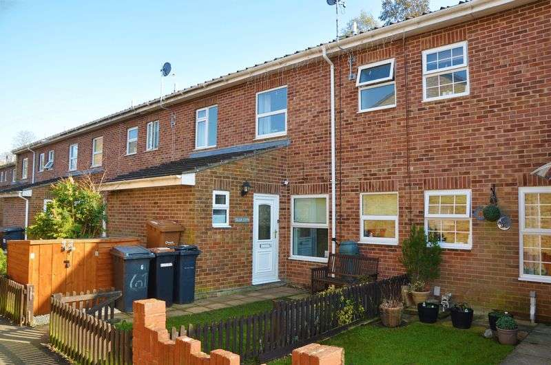 3 Bedrooms Property for sale in Galahad Close, Andover