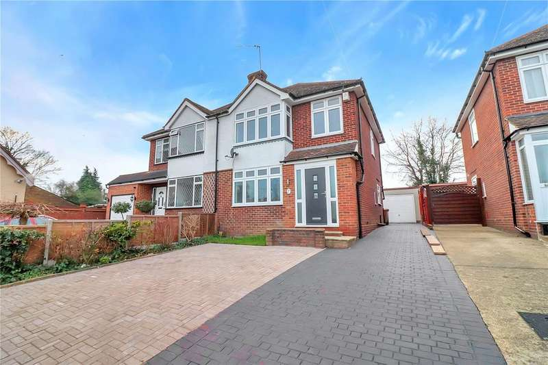 3 Bedrooms Semi Detached House for sale in Tibbs Hill Road, Abbots Langley, Hertfordshire, WD5