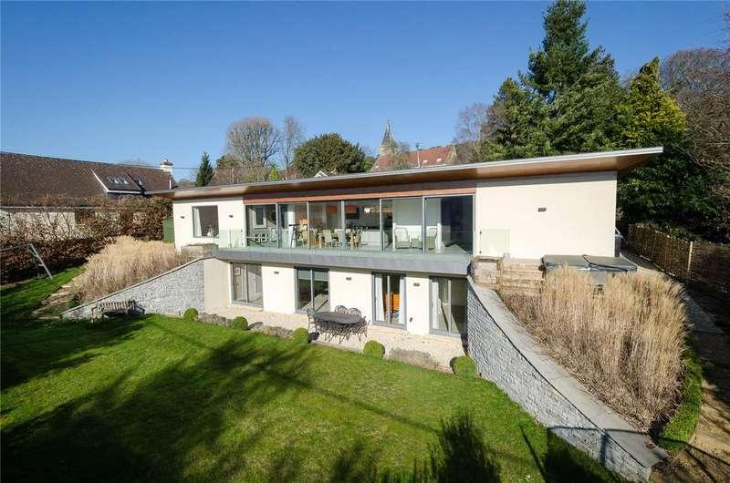 4 Bedrooms Detached House for sale in Potters Hill, Crockerton, Warminster, Wiltshire, BA12