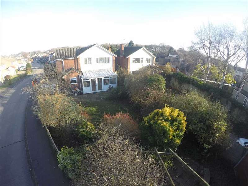 4 Bedrooms Detached House for sale in Gryme's Dyke Way, Stanway, Colchester