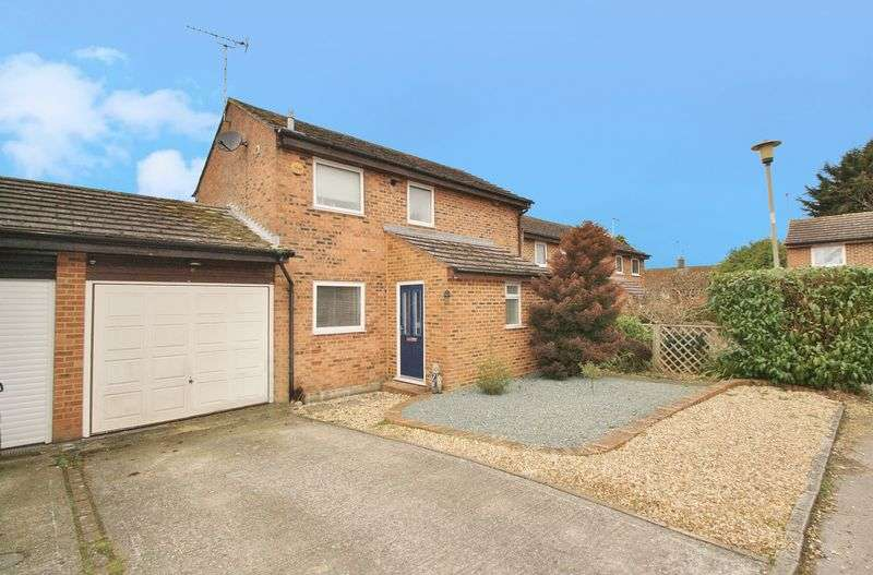 3 Bedrooms Property for sale in Cuddesdon Close, Woodcote, Woodcote