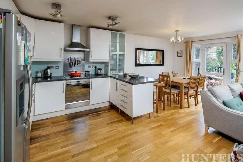 3 Bedrooms Ground Maisonette Flat for sale in Portland Road, London, N15