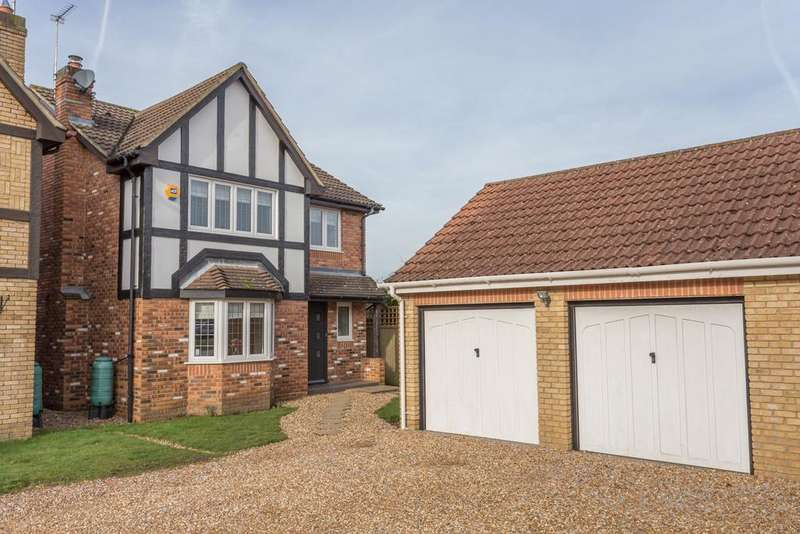 4 Bedrooms Detached House for sale in Aldridge Park, Winkfield Row, Bracknell