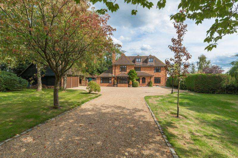 4 Bedrooms Detached House for sale in Great Hampden