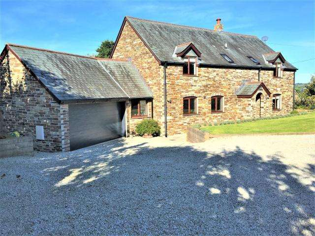 4 Bedrooms Detached House for sale in Treveighan