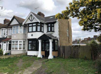 5 Bedrooms End Of Terrace House for sale in Ilford, Essex, United Kingdom