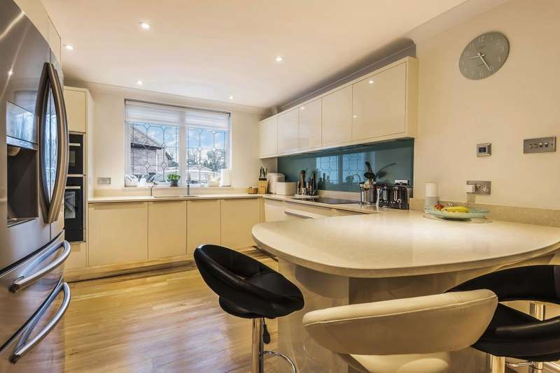 4 Bedrooms House for sale in South Ascot, Berkshire, SL5