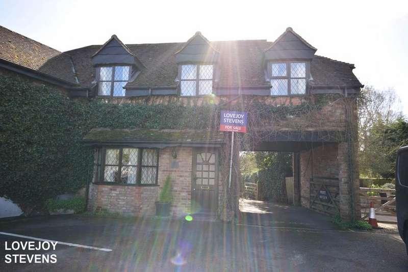 3 Bedrooms House for sale in Chaple Row, Bucklebury, RG7