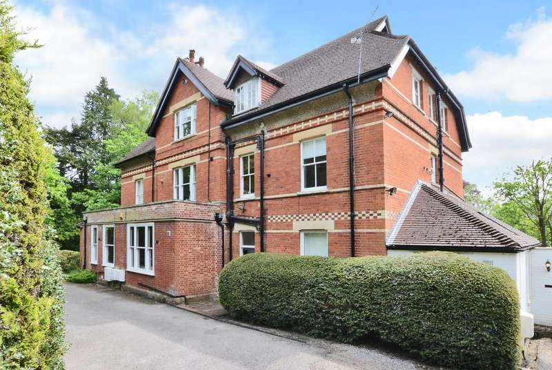 3 Bedrooms Ground Maisonette Flat for rent in Crawley Lodge, Crawley Road, Camberley