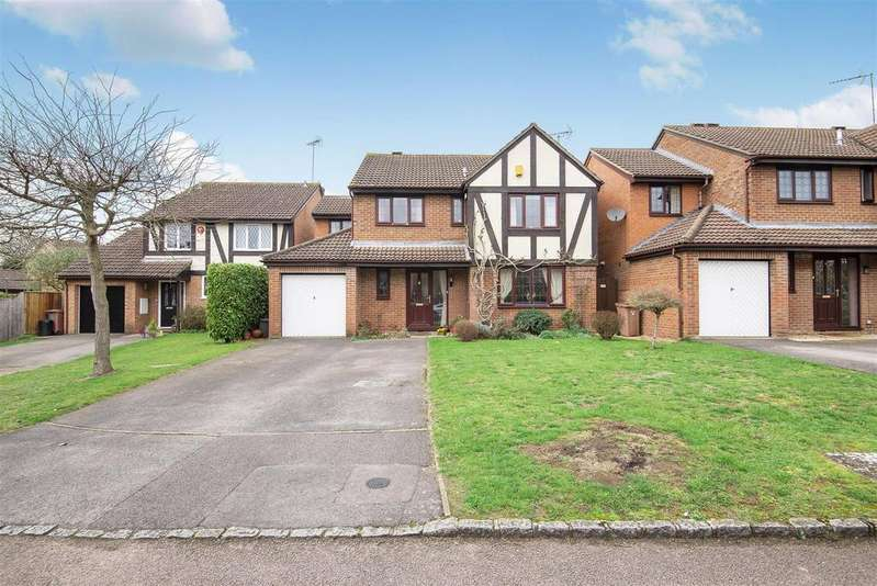 5 Bedrooms Detached House for sale in Somerville Close, Wokingham, Berkshire RG41 4SW