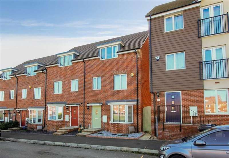 4 Bedrooms Terraced House for sale in Goshawk Green, Leighton Buzzard