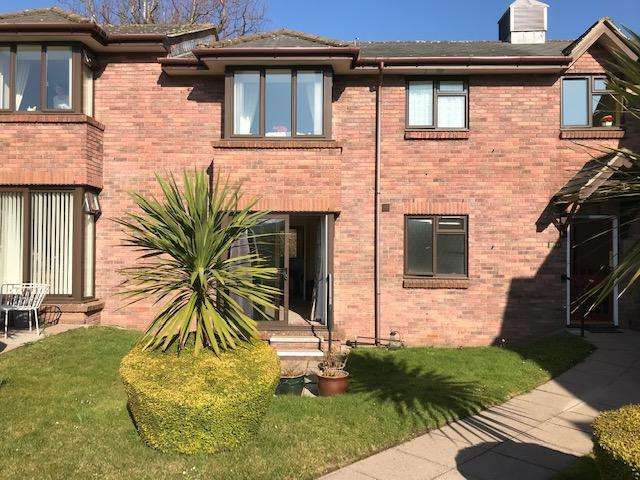 1 Bedroom Flat for sale in Priory Gardens, Abergavenny