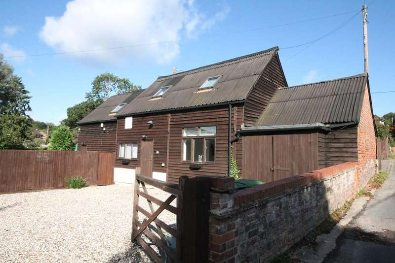 3 Bedrooms Detached House for sale in Woolhampton Hill, Woolhampton, Reading, RG7