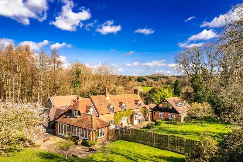 7 Bedrooms Detached House for sale in Lavender Cottage The Paddock, Goring Heath, RG8
