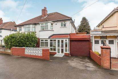 3 Bedrooms Semi Detached House for sale in St Paul Road, Smethwick, Birmingham, West Midlands
