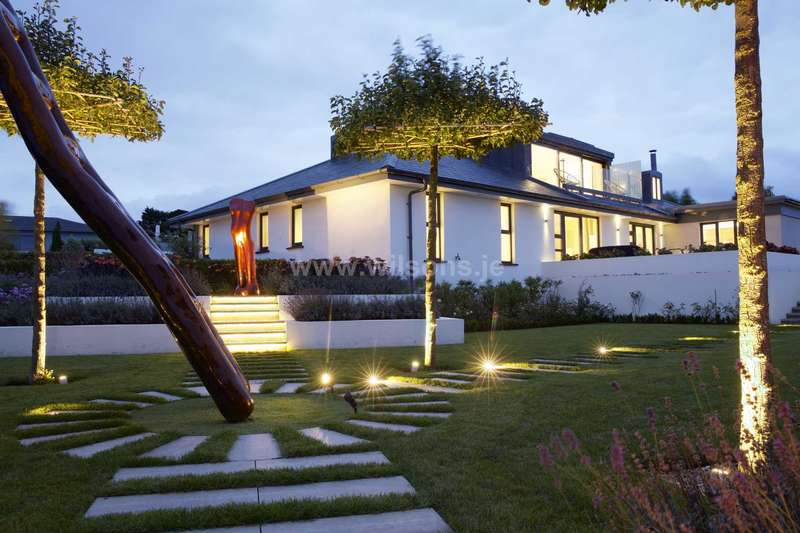 4 Bedrooms Detached House for sale in St Brelade